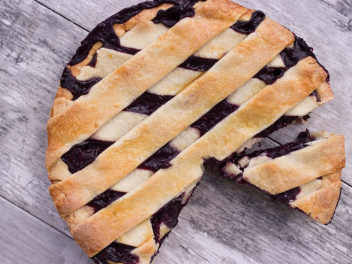 black and blue crostata