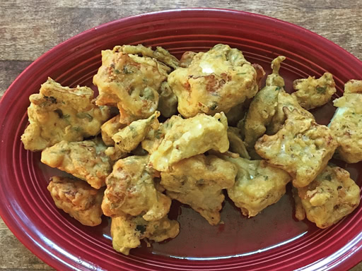 cauliflower onion pakora